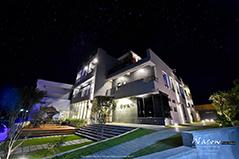 在夜晚散發美麗的光芒-小琉球海明珠民宿